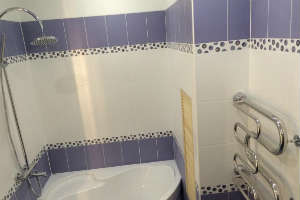 рекомендации пол укладке плитки в маленькой ванной