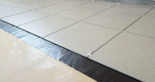 Гидроизоляция ванной и укладка кварцвиниловой плитки наливной пол купить в уральске